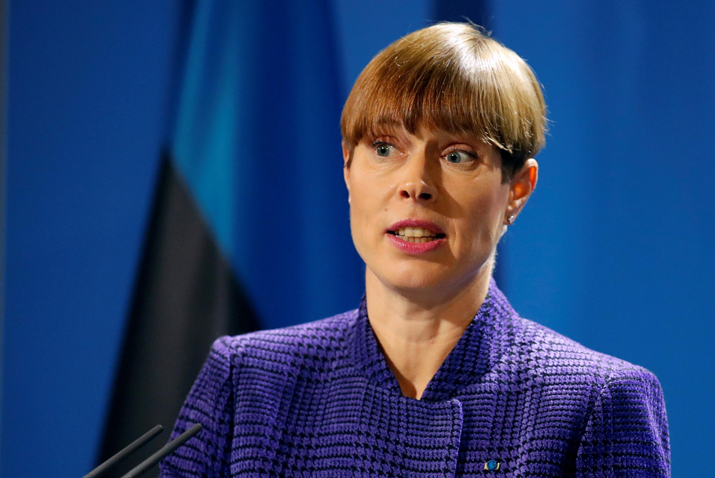 Занавес! В Эстонии видимо обнищали так, что теперь ездят в Россию за продуктами